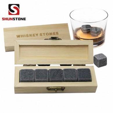 Popular 5 pcs of whiskey set Laser Logo Whisky Ice Cubes Wooden Box Whiskey Chilling stones for Amazon